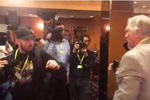 Napadení novinářů v Top hotelu v Praze.