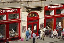 Restaurace americké firmy McDonald's -Vodičkova ulice. Archivní foto.
