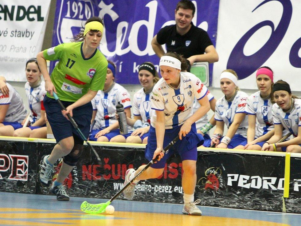 FLORBALISTKY Chodova porazily Olomouc 12:0.