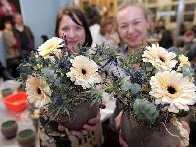Epileptici oslavili svůj evropský den. S aranžováním květin.