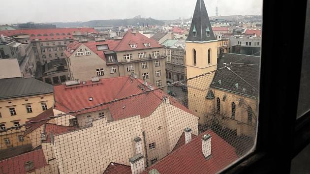 Pohled z historické Novomlýnské vodárenské věže, kde Muzeum hlavního města Prahy zahájila památkovou obnovu a zpřístupnění veřejnosti.