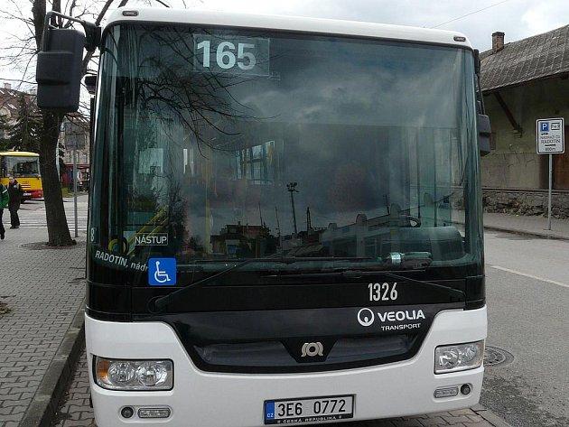 PRVNÍ SVÉHO DRUHU. Ještě tento rok by jich po Praze mělo jezdit dalších osmdesát, to už v barvách dopravního podniku.
