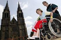 Ne všechny památky jsou vozíčkářům přístupné, obzvláště u pražských věží je to jen těžko řešitelné.