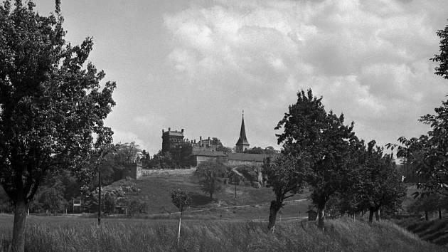 Zámek v Hloubětíně v roce 1939.