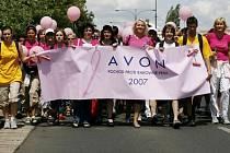 V sobotu v Praze opět vyrazí účastníci Avon pochodu proti rakovině prsu.