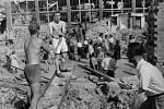 ČKD – Bombardování se za války nevyhnula ani centrála ČKD v Libni. Ta byla zasažena v březnu roku 1945.