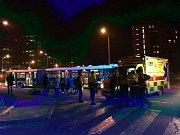 Na Lhotce srazil autobus dvě ženy.
