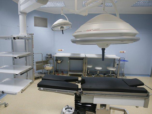 V NOVÉM. Do budoucna umožní rekonstruované operační sály i robotickou chirurgii.