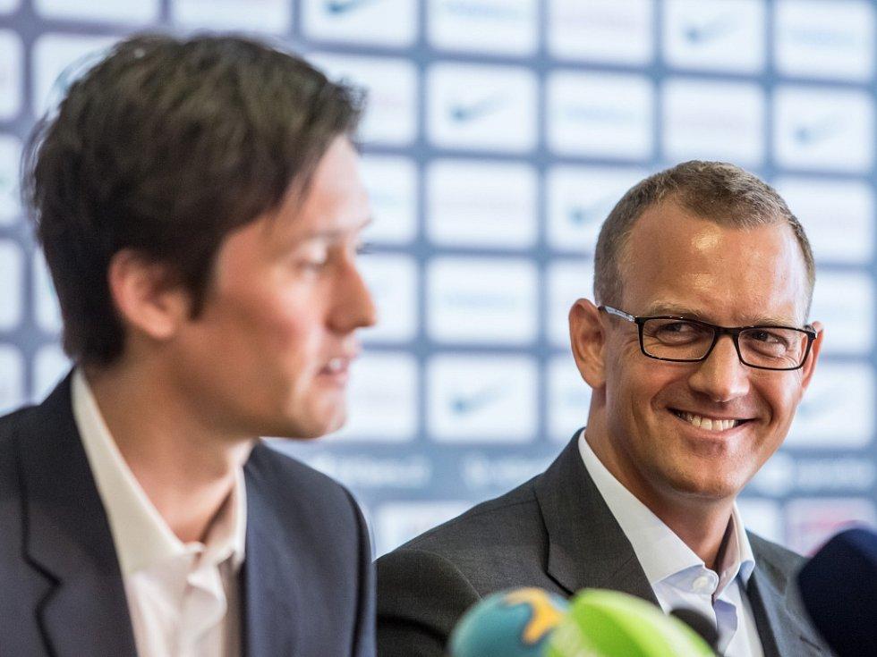 Majitelem fotbalové Sparty je jeden z nejbohatších Čechů Daniel Křetínský (na snímku), Slavia od loňska patří čínskému gigantu CEFC. Oba kluby mají další významné partnery, takže derby je pro byznysmeny ideální místo.