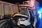 K vážné dopravní nehodě došlo v úterý 8. prosince 2020 večer na Pražském okruhu v úrovni Lochkova ve směru na letiště.
