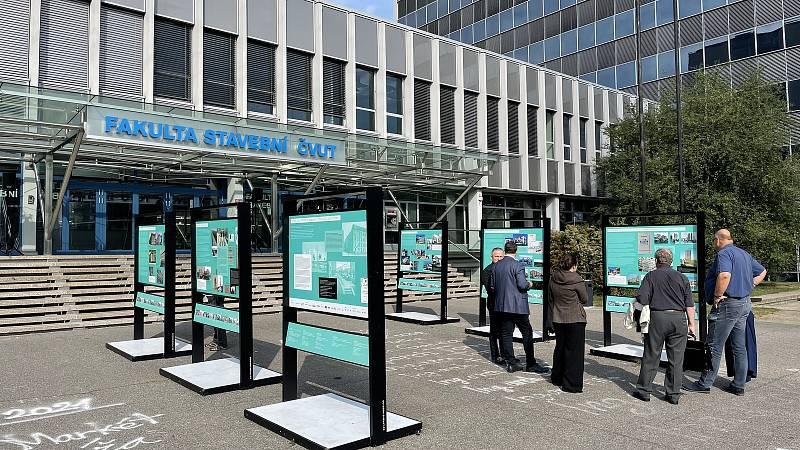 Výstava Bytové družstevnictví - minulost, současnost, budoucnost.