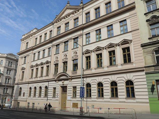 Praha očima studentů - Českoslovanská akademie obchodní v Praze 2.