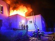 Požár školy v Čimicích.