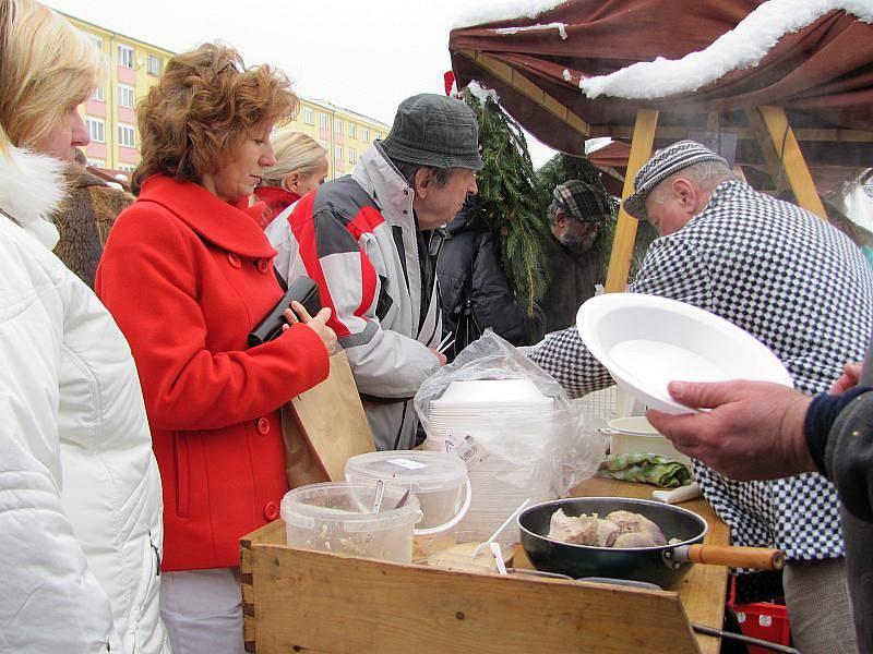 Farmářské trhy na Kubánském náměstí v pražských Vršovicích.