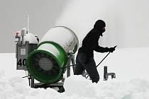 Zimní projekt SkiPark Velká Chuchle byl otevřen v úterý 7. února.
