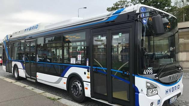 Hybridní autobus Iveco Urbanway Hybrid 12 m High Value.