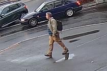 Muž hledaný v souvislosti s napadením v autobusu.
