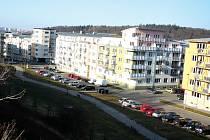 Obytný komplex Zelené údolí v Praze bude v případě soudní prohry se současným majitelem pozemků zřejmě zdemolován. Právně nevypořádané pozemky totiž stále stoupají na ceně.