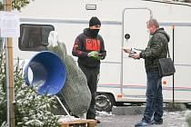 Prodej vánočních stromků v pražských Vršovicích během koronavirové krize.
