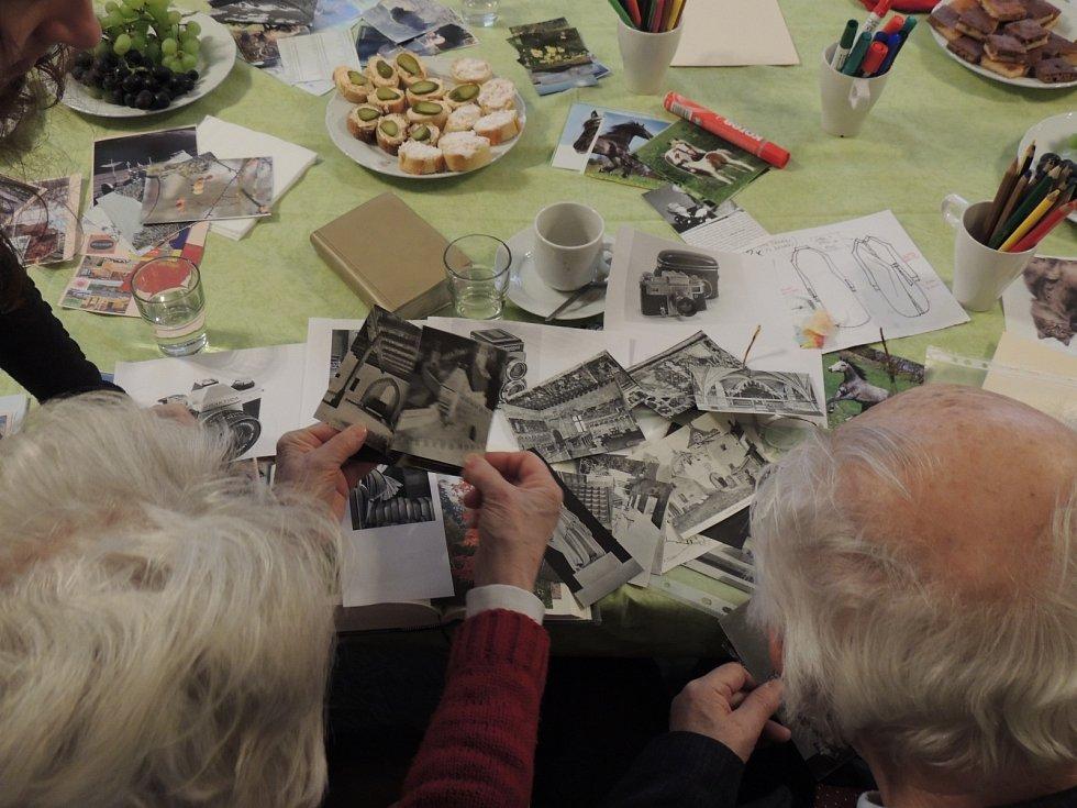 Lidem s demencí a jejich rodinám pomáhá Reminiscenční centrum a poradna Alzheimer Point.