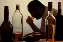 Alkoholik. Ilustrační foto.