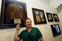 V Českém muzeu hudby odhalili jedinečný soubor osobních předmětů Johna Lennona