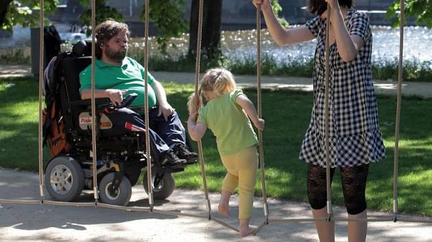 Happening Děkujeme pokračujeme! Nezisková organizace Asistence oslaví 20 let činnosti v oblasti poskytování asistenčních služeb pro lidi s postižením. Střelecký ostrov 2. června
