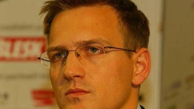 Tvrdá opatření. Daniel Křetínský, předseda představenstva fotbalové Sparty, vyhlásil boj neukázněncům na letenském stadionu.