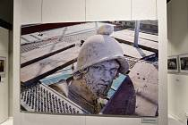 Jedna z fotografií Martina Frouze na výstavě Proti času.