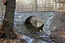 Rekonstrukce mostů v Kunratickém lese.