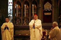 První mši v novém roce 2009 sloužil v chrámu sv. Víta na Pražském hradě primas české katolické církve kardinál Miloslav Vlk.