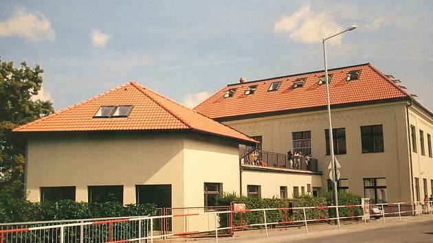 Škola Lipence