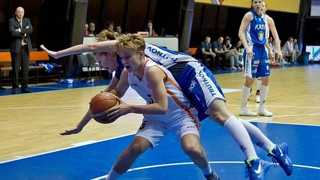 Opravdovou basketbalovou bitvu nabídlo střetnutí VŠ s Trutnovem