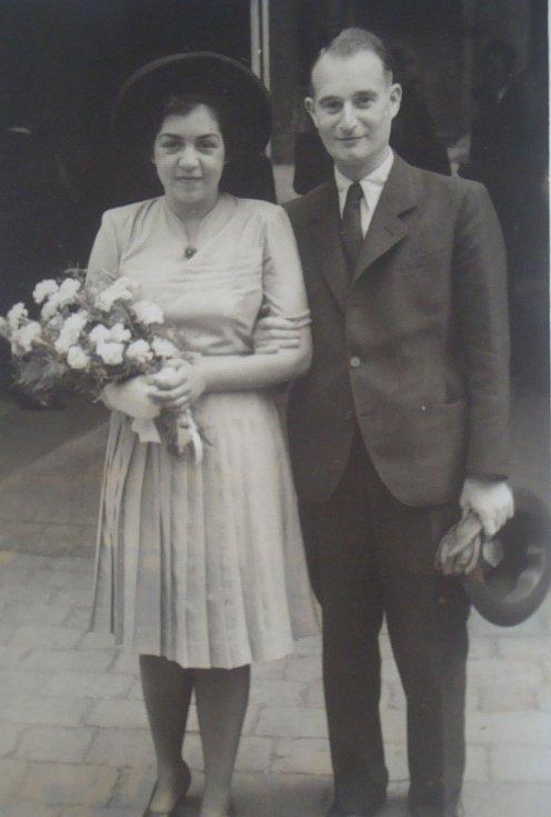 S MANŽELEM FRANTIŠKEM. Manžel Lisy František Mautner. Po válce si oba manželé změnili jméno na Mikovi.