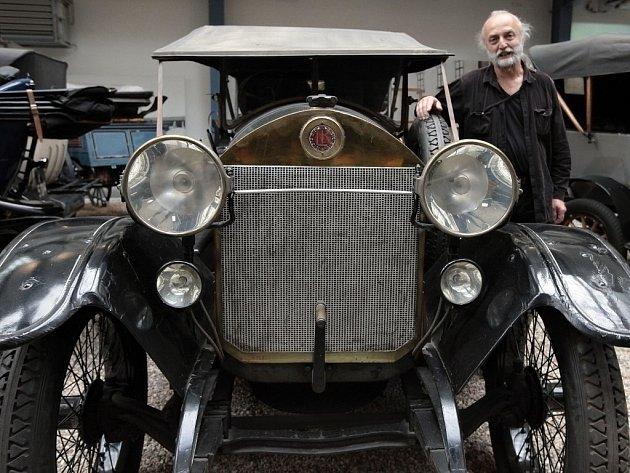 Historický unikát v Národním technickém muzeu v Praze: automobil Laurin a Klement RK/M, který užíval legendární závodník Saša Kolowrat.