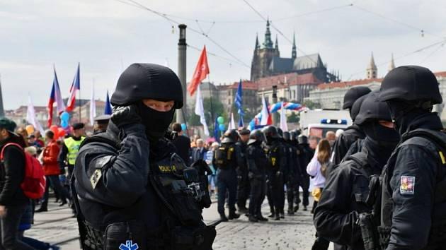 Policejní zásah během Národního pochodu pro život a rodinu.