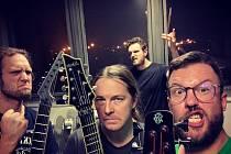 Kapela Minority Sound si na pátek do brandýského Saloonu pozvala trio spřátelených skupin - Perfecitizen, Shampoon Killer a Koloss.