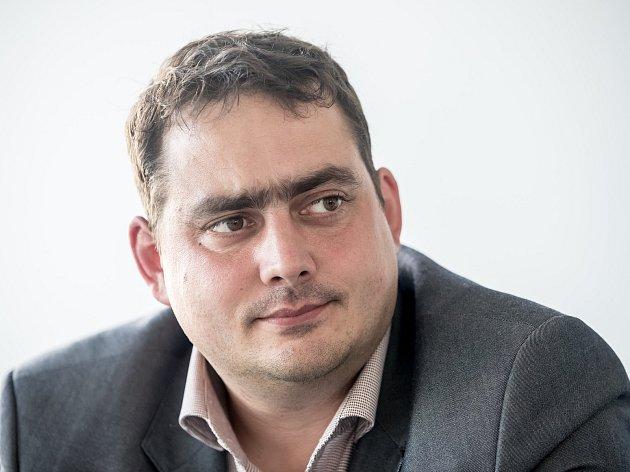 Petr Dolínek se účastnil 16.října on-line rozhovoru vPražském deníku.