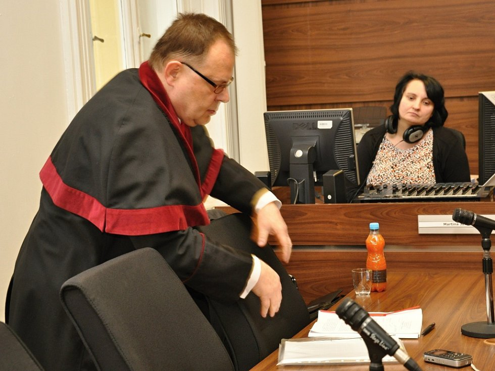 Bez účasti obžalovaného lobbisty Marka Dalíka dospěla u Městského soudu v Praze do finále kauza údajné korupce při nákupu obrněných transportérů Pandur pro českou armádu. Na snímku státní zástupce Jan Kořán.