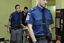 Obvodní soud pro Prahu 2 pokračoval v pátek 9. ledna 2015 v projednávání případu čtyřiadvacetiletého Marka Půčka obviněného z usmrcení jednadvacetileté dívky autem na autobusové zastávce na pražském Smíchově. Od nehody utekl. Hrozí mu až osm let.