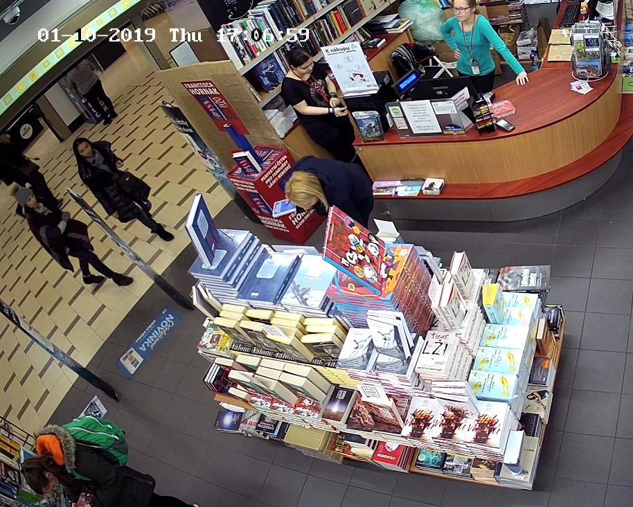 Zlodějky v Karlíně.