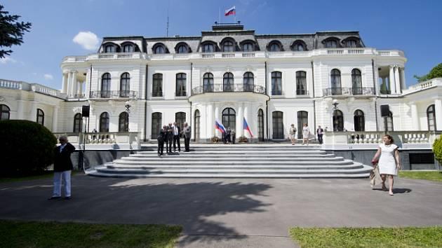 Ruské velvyslanectví v Praze. Ilustrační foto.