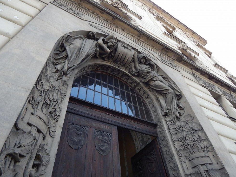 Rekonstrukce Fantovy budovy na pražském hlavním nádraží.