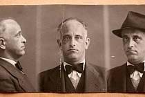 Padělatel Vojtěch Hrdina na policejním snímku po zatčení.