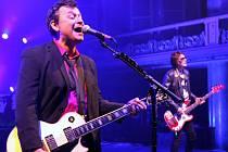 Z koncertu velšské rockové kapely Manic Street Preachers v pražské Lucerně.