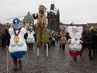 Výročí 17.listopadu v Praze - průvod masek Sametové posvícení.