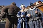 Před rokem se slavný Golem představil veřejnosti na Staroměstském náměstí při oslavách Oživte Golema připomínající 400. výročí od smrti věhlasného učence rudolfinské Prahy, rabína Jehudy Löwa ben Becalela zvaného Maharal.