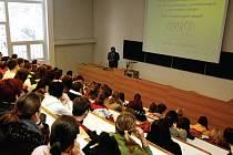 ŠKOLSTVÍ BY MĚLO REAGOVAT NA POTŘEBY TRHU. Mnozí absolventmají kvalifikaci, kterou nemohou uplatnit.i