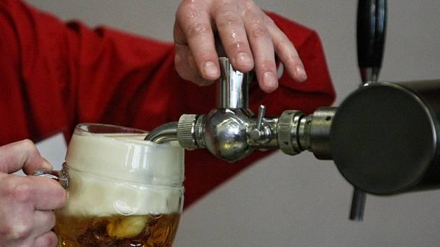 Zloději na Vysočině: Brali pivní pípu i kovová vrata. Škody jsou desítky tisíc