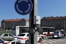 Dopravní zácpy na Kulaťáku.